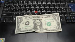 1ドル札25年財布に入れっぱなし