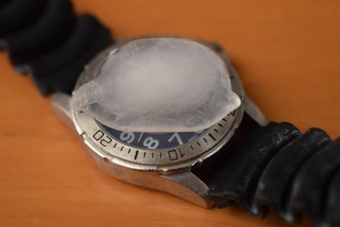 jaxis時計3年6か月後停止時氷結露テスト