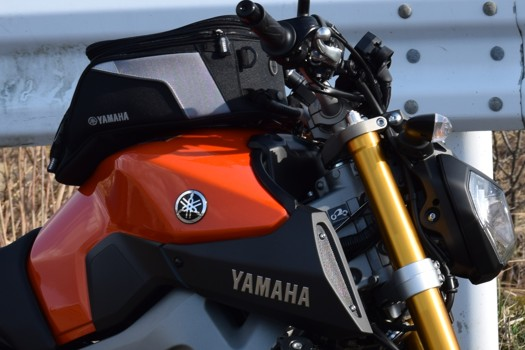 YAMAHA MT-09とタンクバッグ シティー