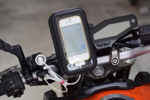 Eco Ride World 防水バーマウントホルダー縦向きとiPhone4S