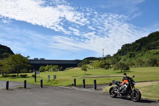 宮床ダムの公園とMT-09