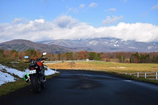 雲がかかった栗駒山