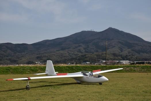 グライダーPW-6Uと筑波山
