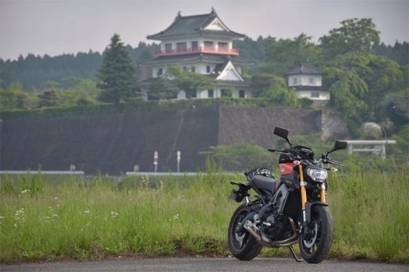 涌谷城跡 城山公園史料館とMT-09