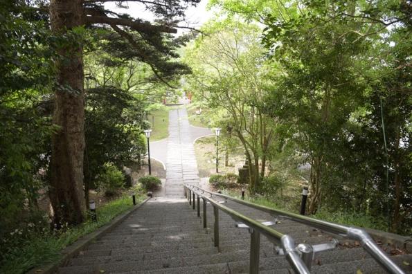 涌谷神社境内階段