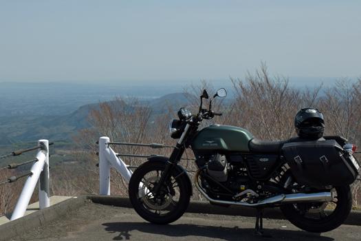 Moto Guzzi V7 Stone いわかがみ平にて