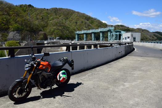 MT-09と大倉ダム