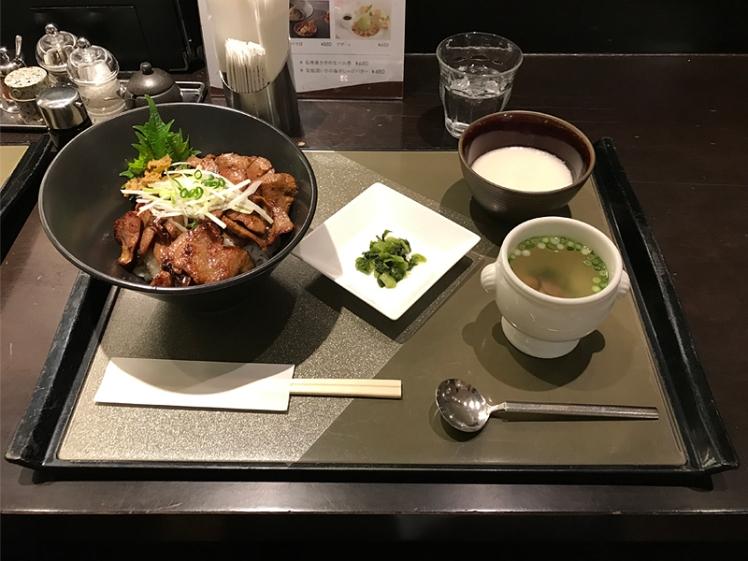 仙台牛たん 宮城県地元民おすすめコスパ高い 青葉亭 牛たん屋さんの賄い丼セット