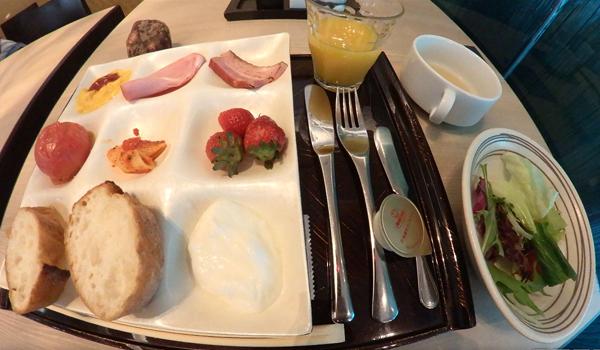 ホテル龍名館東京ビュッフェ
