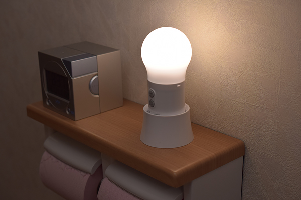 トイレでパナソニックLED球たまランタンBF-AL06K点灯