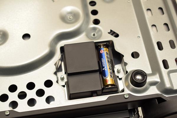 IWATANIカセットコンロ アモルフォプレミアム電池ケース部.jpg