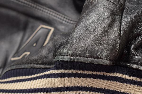 AVIREX VARSITY 2834 裾部分の傷み
